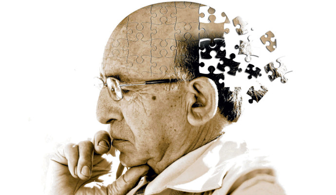 WHAT'S THE DIFFERENCE BETWEEN ALZHEIMER'S AND DEMENTIA? —By DailyCaring EditorialTeam. (Photo by HealthAim )