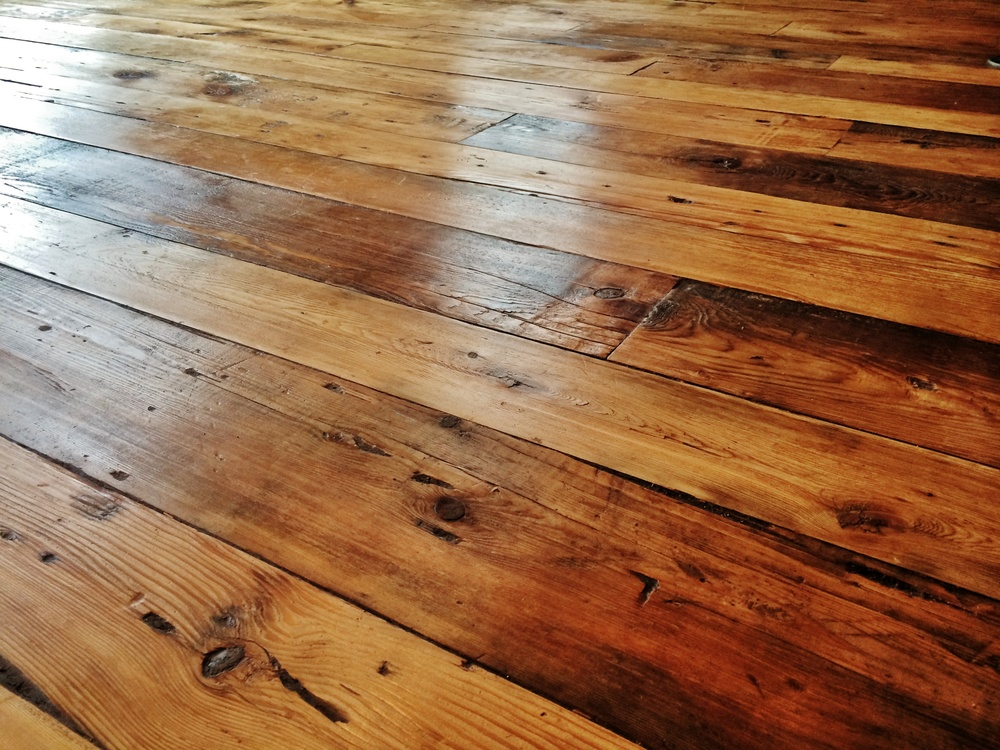 Hardwood Floor Reclaimed Lumber
