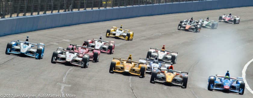 5 wide IndyCar racing