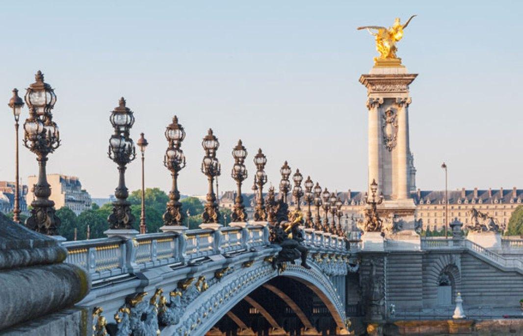 Pont-Alexandre III from parisinfo.com.jpg