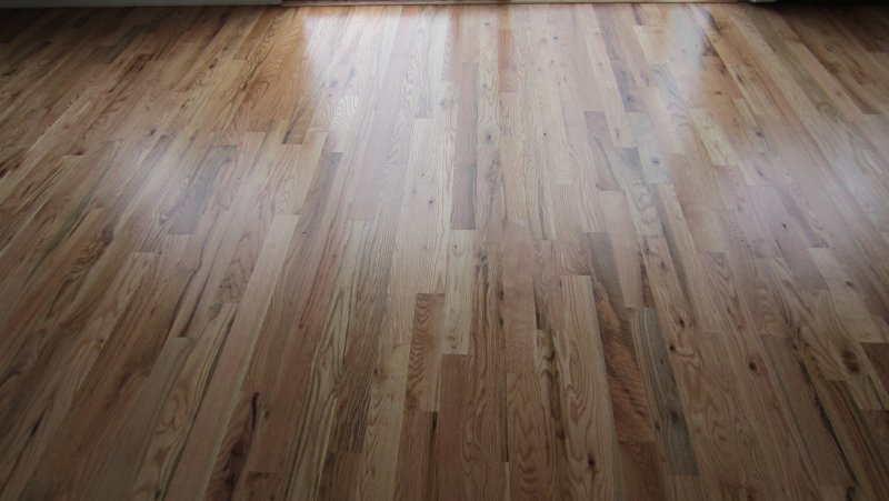 #2 Red Oak with 1 coat sealer and 2 coats semi-gloss oil poly