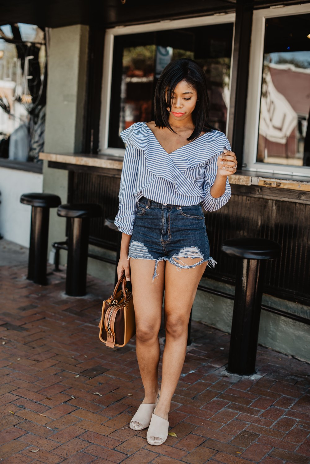 mom style denim shorts dallas fashion stephanie taylor jackson black fashion blogger