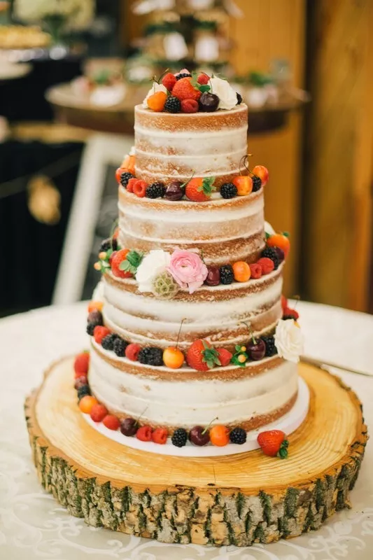 Fall Wedding Cakes   a Lancaster County Specialty      Perfect Settings The cake is natural and understated  like fall  but it is striking in its  simplicity