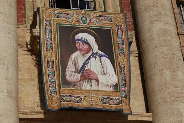 Photo by:Daniel Ibañez/CNA The official banner for Mother Teresa's canonization drapes the facade of St. Peter's Basilica in the Vatican.