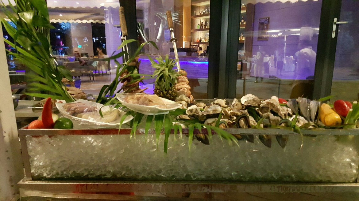 Raw Bar complete with Fresh Oysters