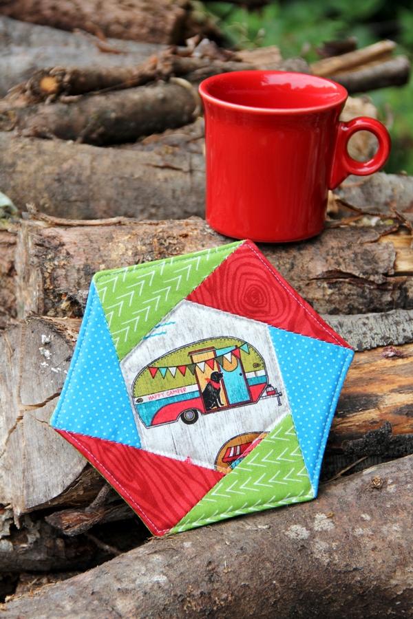 Sewing tutorial: English paper pieced hexagon mug mat