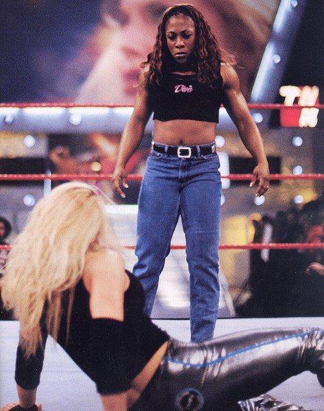 Trish Stratus Wrestlemania 23