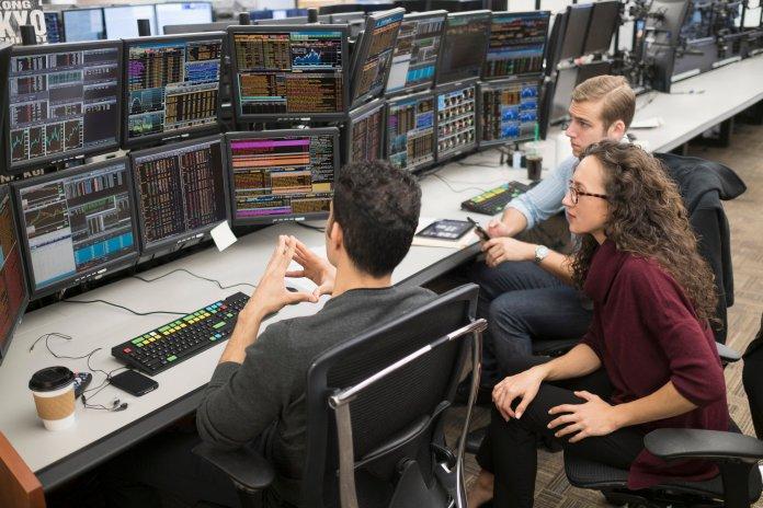 Image result for STOCK MARKET DESKS WOMEN