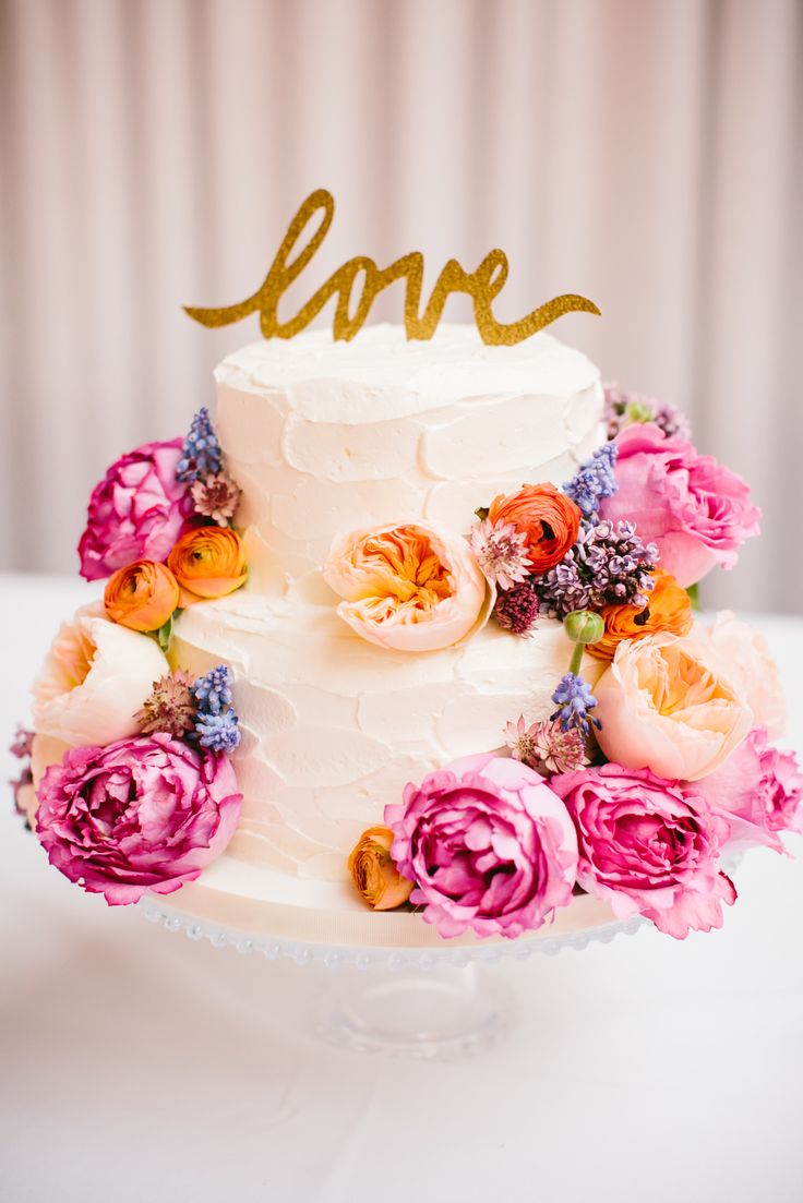 How to save money on your wedding cake  12 tips to sweeten the cake     How to save money on your wedding cake  12 tips to sweeten the cake cost