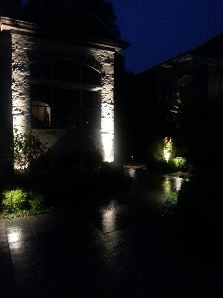 7 glamorous outdoor lighting ideas for the avid entertainer in buffalo grove and highland park il areas lawn service landscape design patio pavers wilmette lake forest il illinois