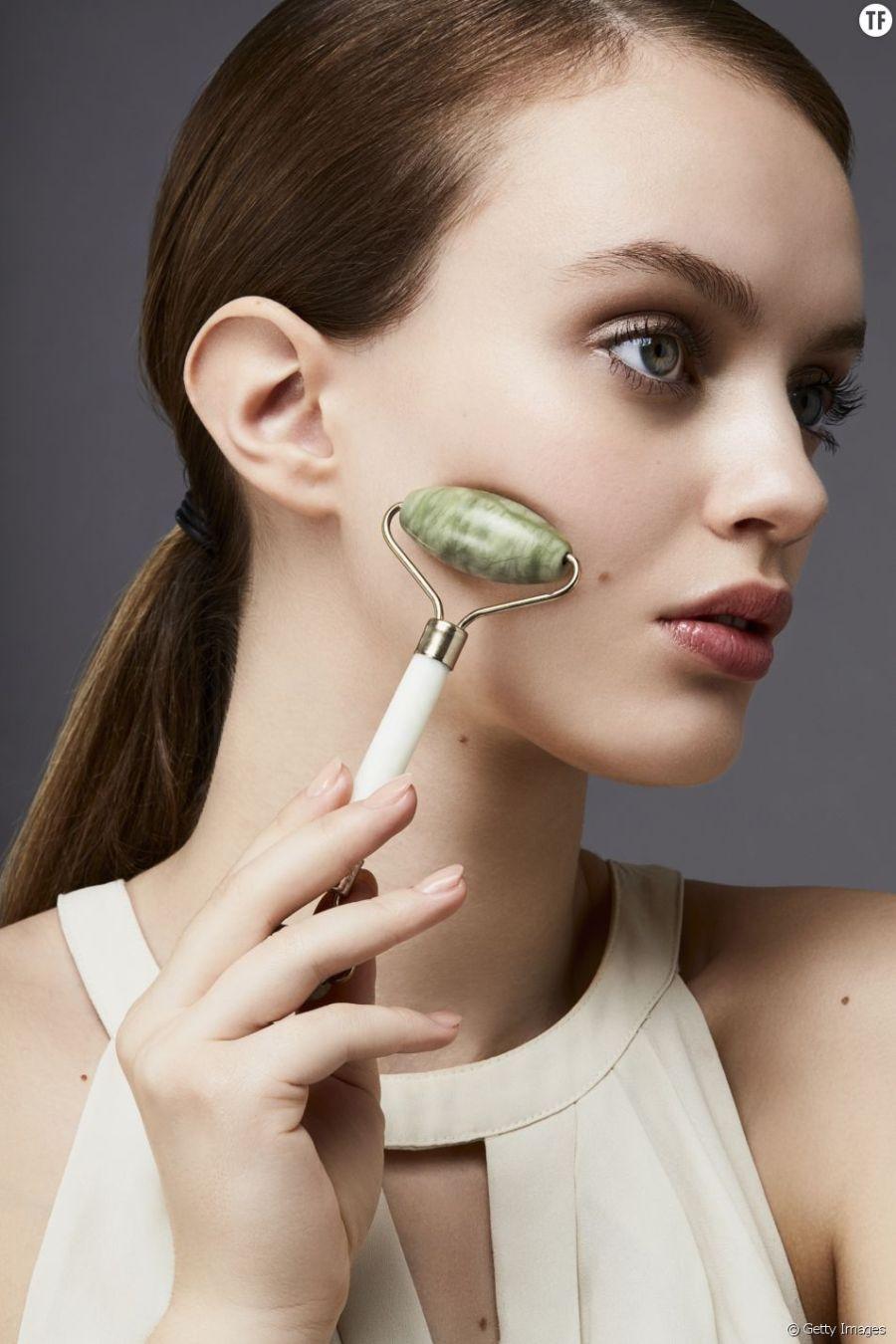 Rouleau de jade : ses bienfaits pour la peau