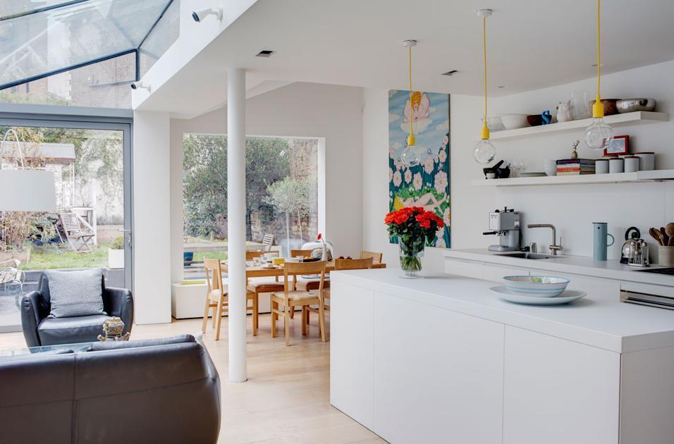 Per arredare salotto piccolo al meglio, occorrono divani di dimensioni ridotte e l'aiuto di tinte chiare per amplificar visita : Cucina A Vista 35 Idee E Soluzioni Per Arredare