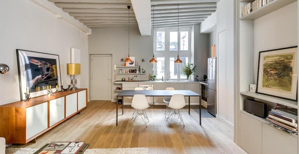 Prima di tutto è cambiata la concezione della casa e dei suoi spazi, la zona di rappresentanza e gli ambienti di servizio, che erano nettamente divisi nelle abitazioni di un tempo, oggi si. Bilocale Nel Marais