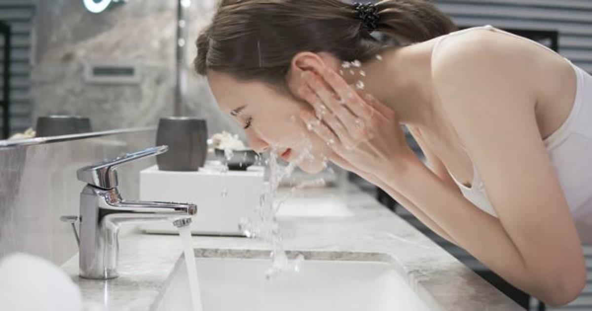 Cuántas veces es bueno lavarse la cara al día? Estos son los errores que cometes