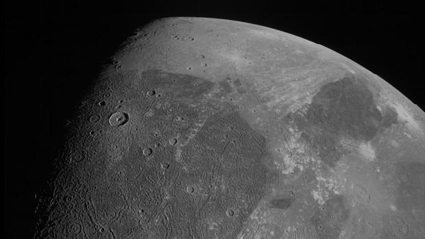 Una de las imágenes más recientes de Ganímedes, obtenida por la sonda JUNO, de la NASA, el 7 de Junio de este mismo año