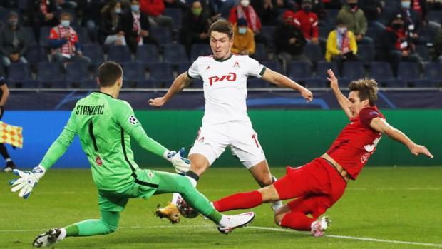 Salzburgo 2 - Lokomotiv 2: El Salzburgo muestra sus carencias