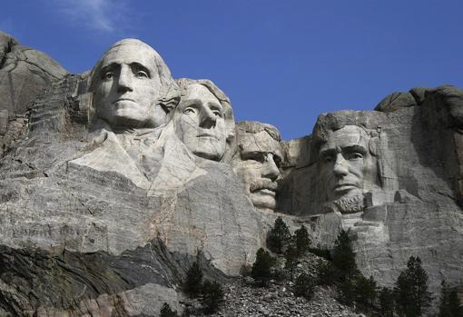 Monte Rushmore, monumento que rememora a los padres fundadores de EEUU (entre ellos, Jefferson)