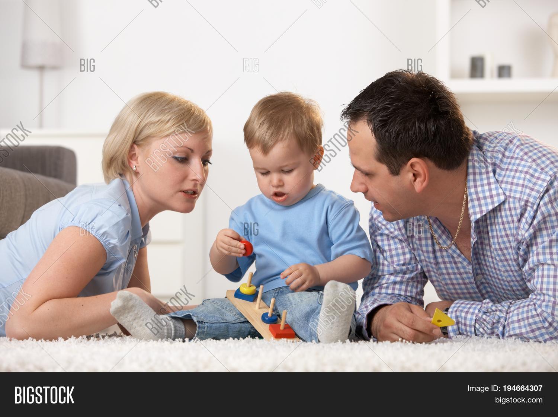 Imagen Y Foto Nuclear Family One Prueba Gratis