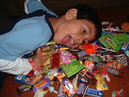 begging for halloween candy one awesome solution - Halloween Candy Kids