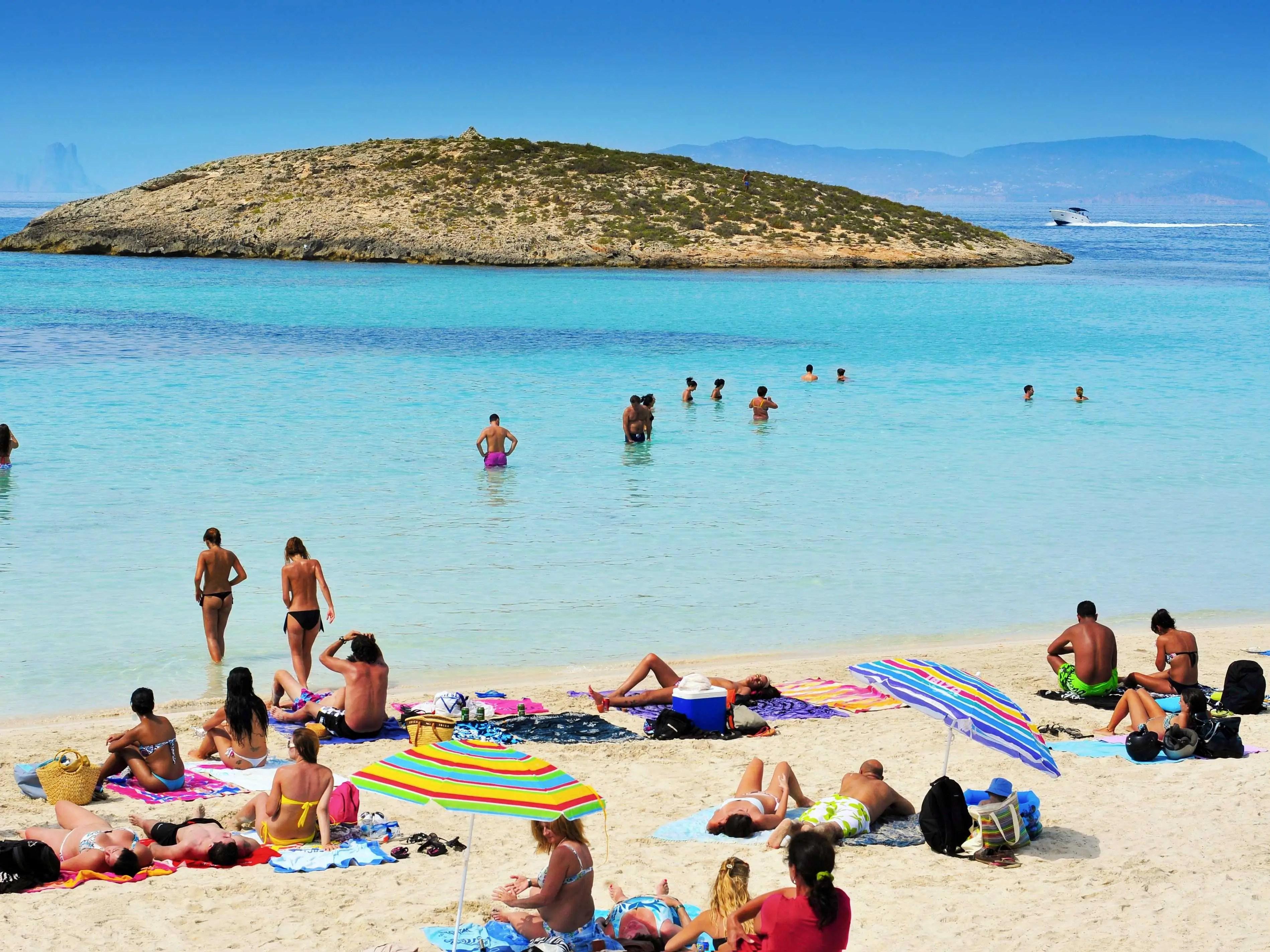 35 Worlds Best Beaches  Katenews2Day-1759