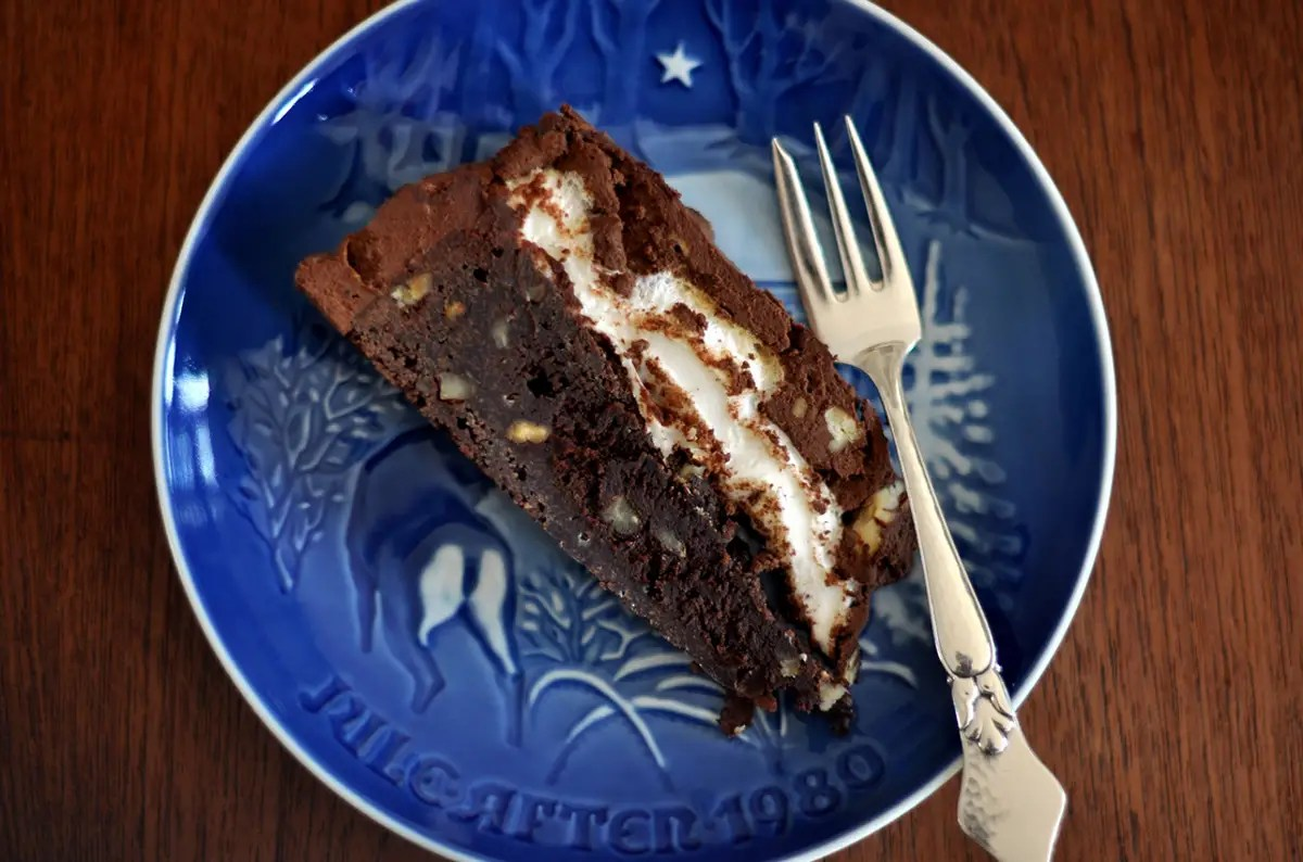 MISSISSIPPI: Pig out on a decadent piece of Mississippi mud pie, made with layers of gooey chocolate, and usually chopped pecans or walnuts and marshmallow.