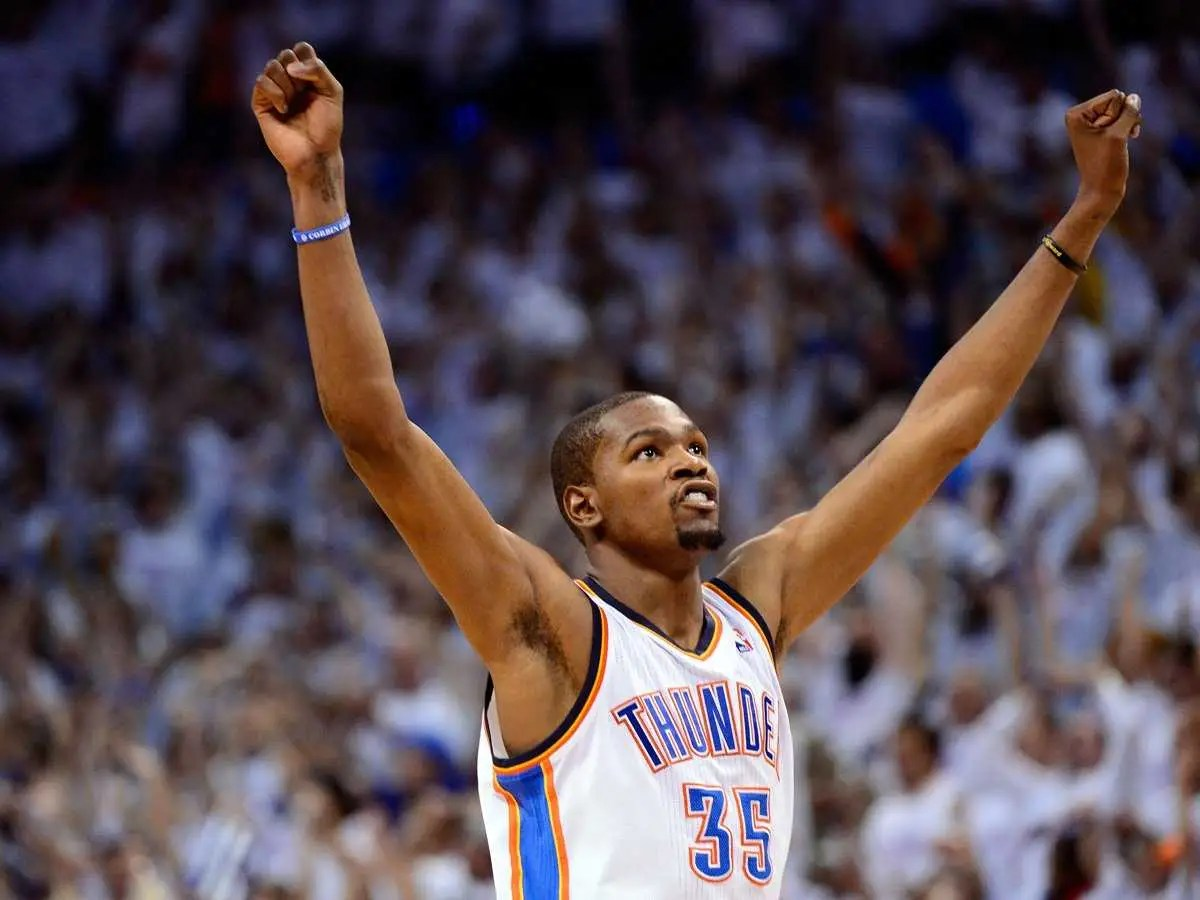#8 Kevin Durant