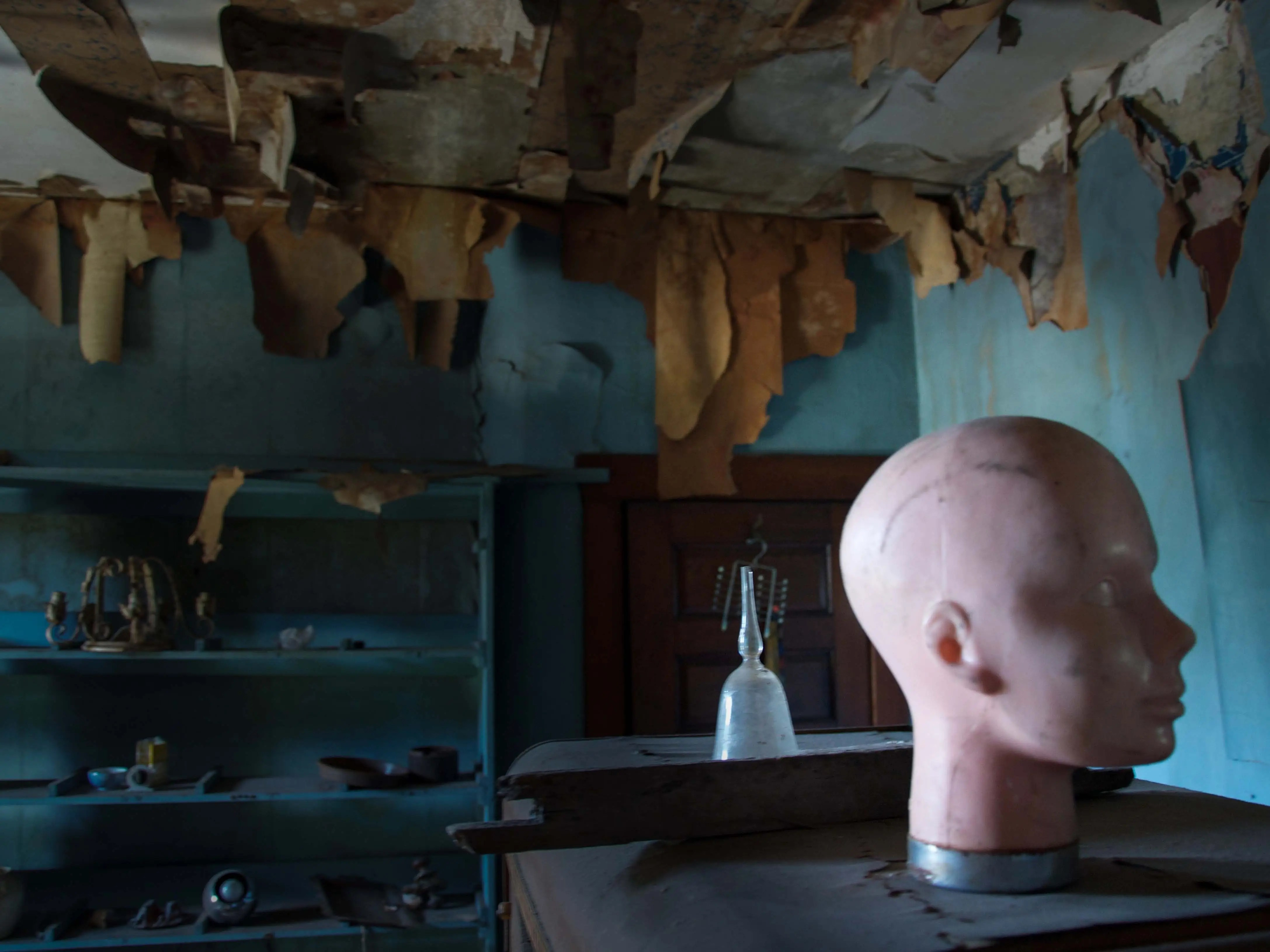 This creepy Philadelphia mansion is full of doll parts and neatly organized metal tools. All it needs is the matching serial killer.