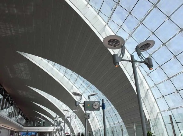 Dubai Airport passes London Heathrow - Business Insider