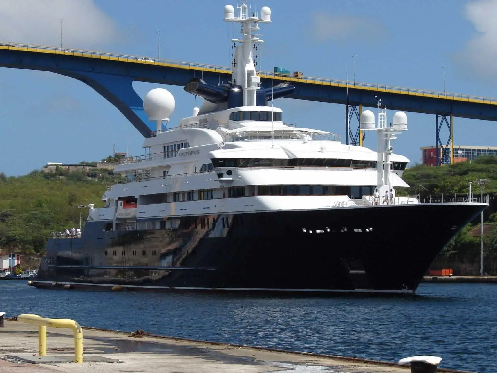 Octopus Yacht Paul Allen Used To Find A WWII Battleship