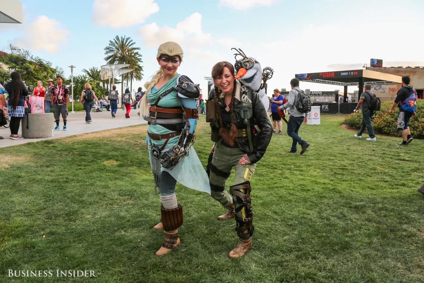 Anna and Elsa dress for battle on the Fury Road in this creative
