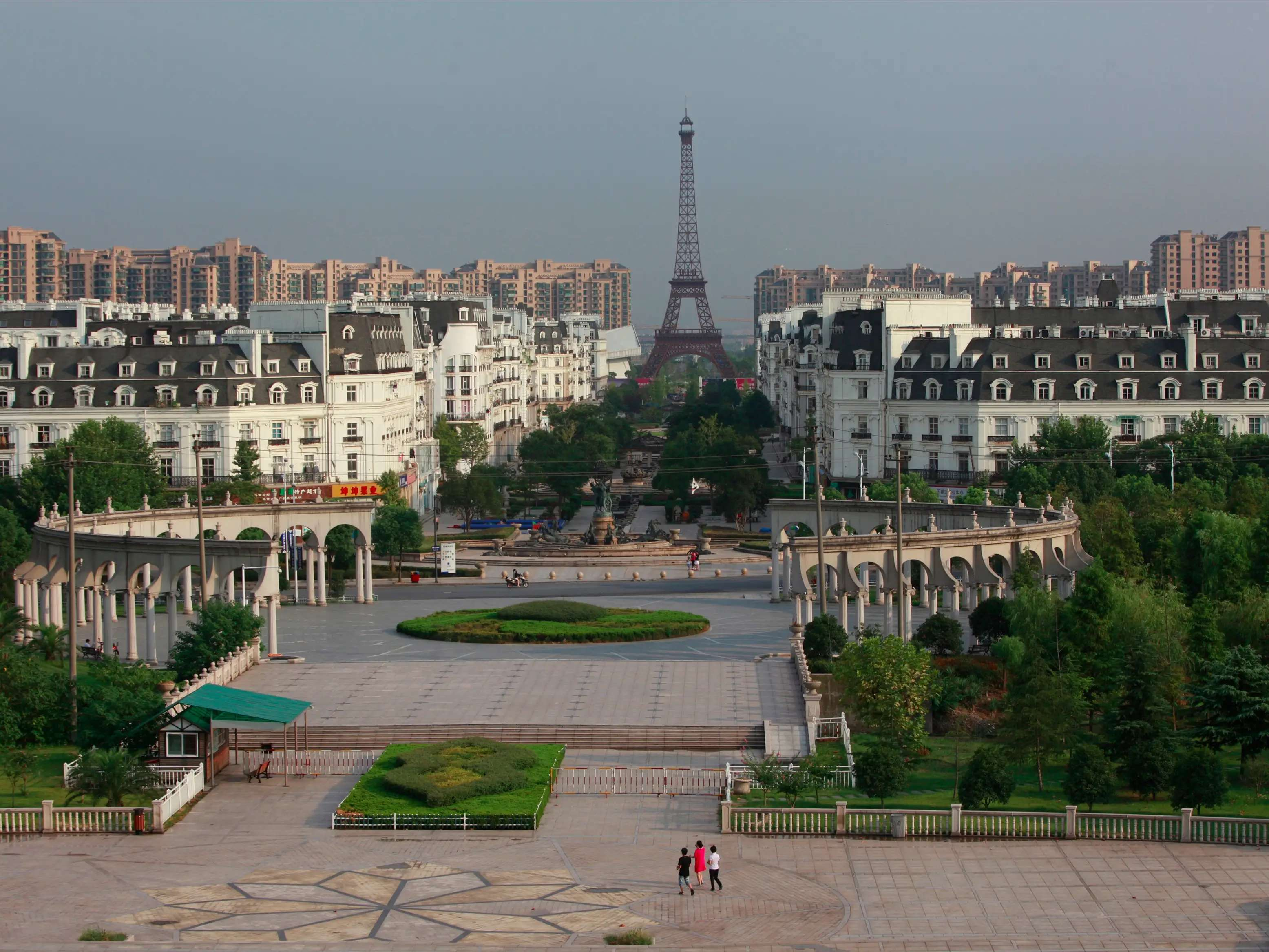 A few hours outside of Shanghai you'll come across Tianducheng, a wannabeParisthat features a 354-foot replica of the Eiffel tower. However, despite being surrounded by a residential area designed to accommodate 10,000 people, the copycat city is largely empty.