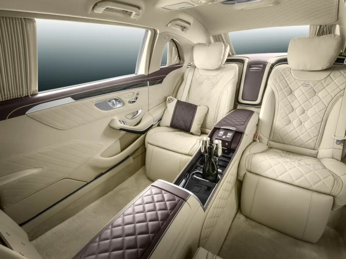 The back comes with four seats, where on pair of seats faces the other pair. That gives it the feel of a limousine.