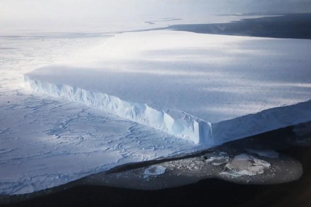 giant tabular iceberg antarctica GettyImages 620132204