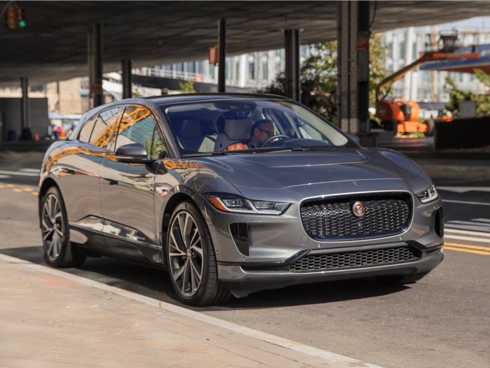 Jaguar appears to be giving Tesla owners a special $3,000 discount on its I-Pace electric SUV, and they dont even have to trade in their vehicle