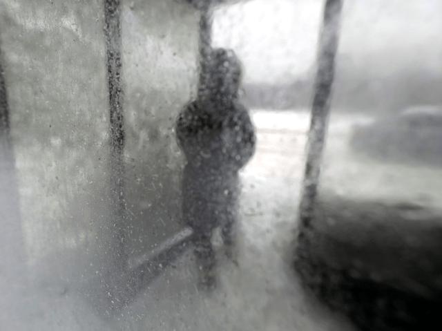 polar vortex illinois bus shelter