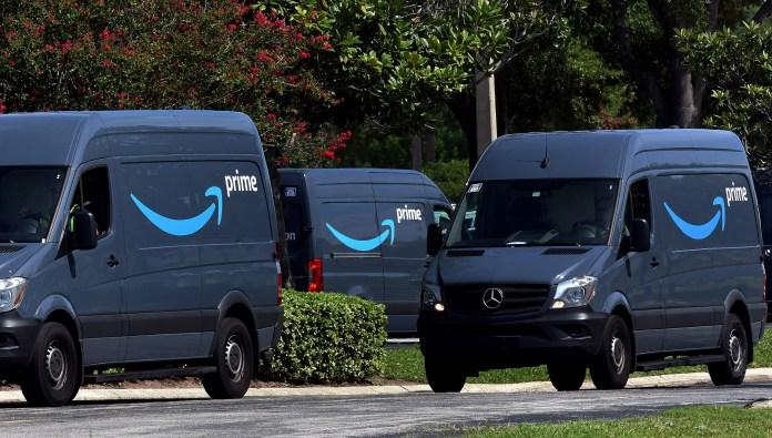 Amazons Mercedes Benz Sprinter vans