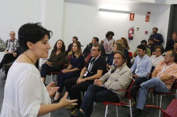 La activista Lidia Ucher, durante su intervención en la jornada organizada en Proyecto Hombre.