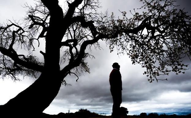 Luis, hijo menor de guardia civil de El Redal José San Martín, asesinado por ETA en Guecho en 1992, vive en un pueblo al lado de Logroño y decidió ingresar en el cuerpo como homenaje a la memoria de su progenitor. /Justo Rodriguez