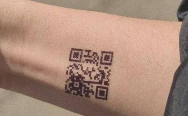 Image of the supposed QR code tattoo used in the thread that has gone viral.