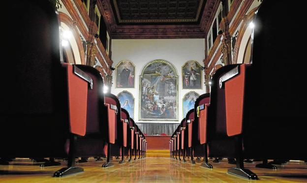 Five of Vicente Inglés's paintings, with San Isidoro in the center, which already hang in the old oratory of today's IES Cascales.