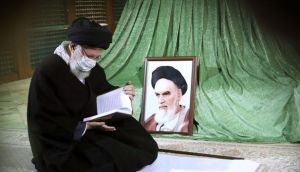 The presence of the Leader of the Revolution in the holy shrine of Imam Rahel and the flower garden of the martyrs of Behesht Zahra