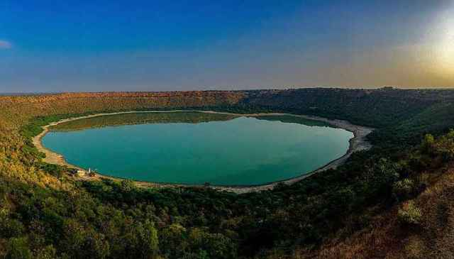 लोनर क्रेटर झील: महाराष्ट्र में छिपी है उल्का पिंड से बनी ये अद्भुत झील -  Tripoto