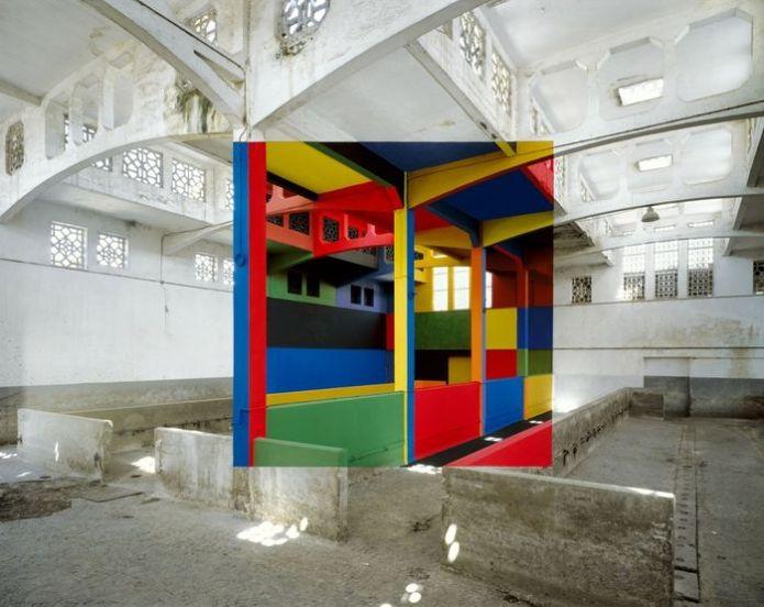 Tác phẩm của nghệ sĩ người Pháp George Rousse, người tạo ra những hình ảnh đầy màu sắctrong các tòa nhà sắp bị phá hủy.