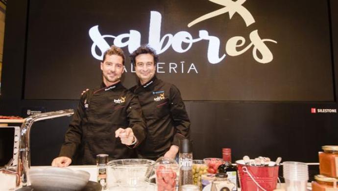 David Bisbal y Pepe Rodríguez «cocinan» los «Sabores Almería» en el Salón  Gourmets