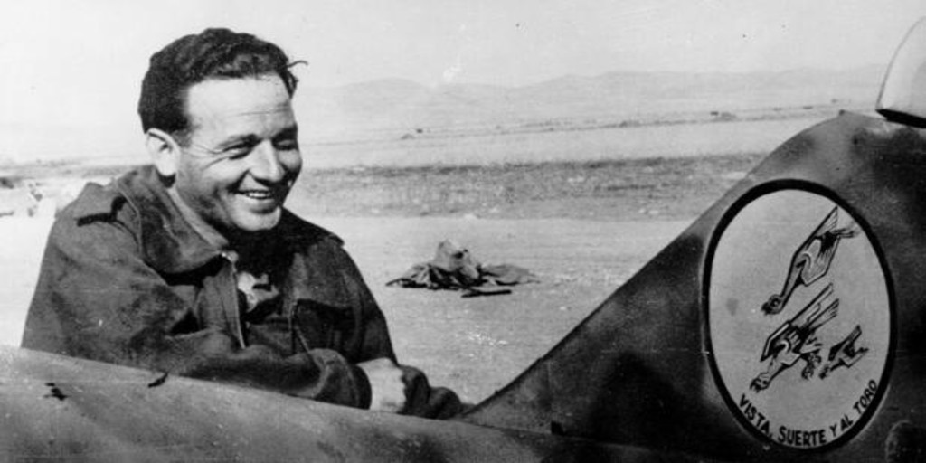 the most epic combat of the lethal national fighter pilot that the PSOE wants to exhume