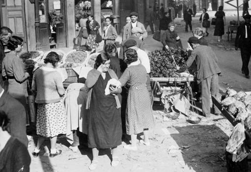 Costumbrista scene from Madrid in 1934