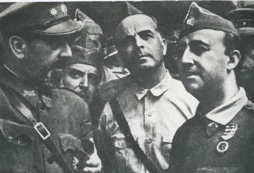 José Enrique Varela, to Franco's left