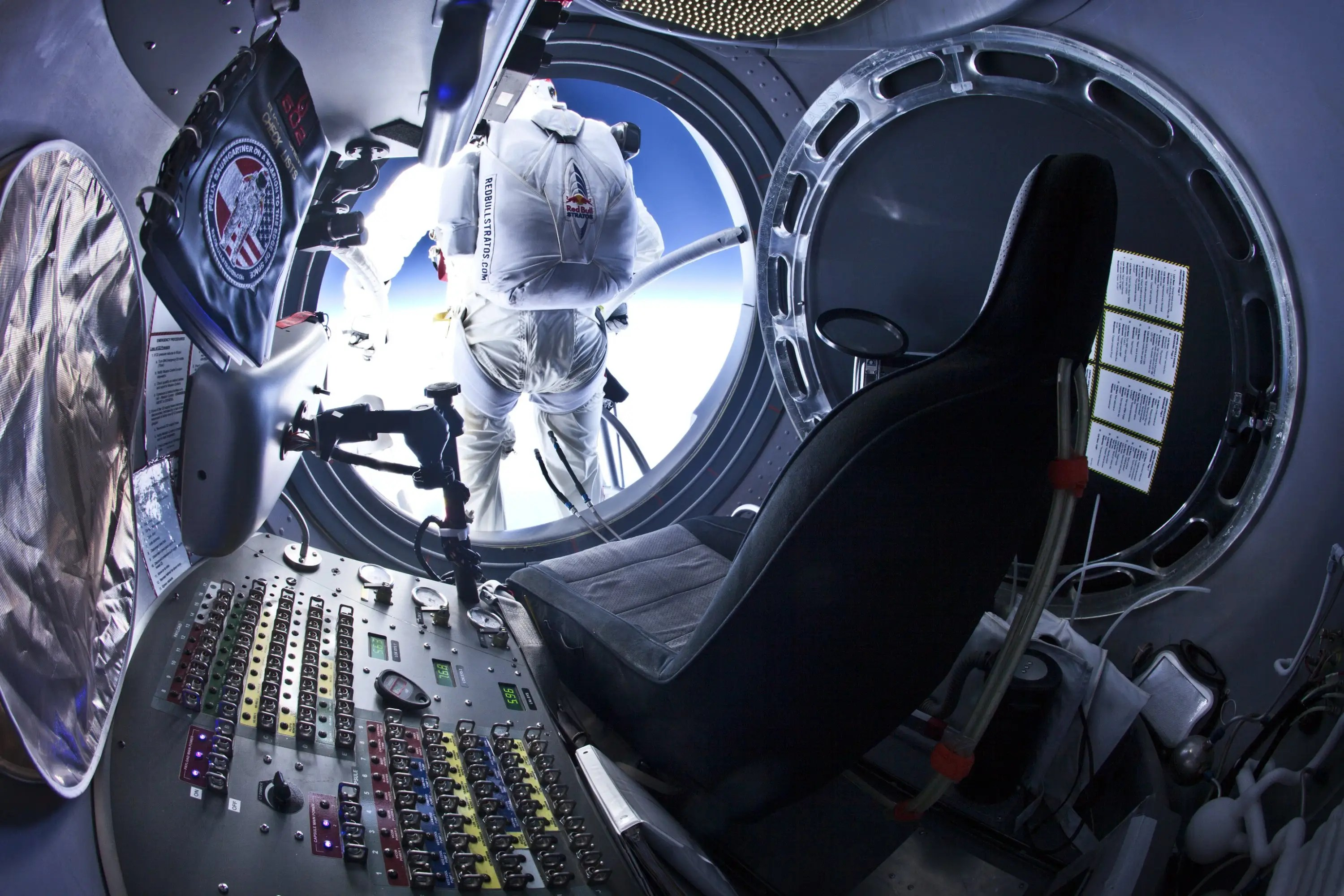 At 120,000 feet, Felix will step out of the capsule and jump.