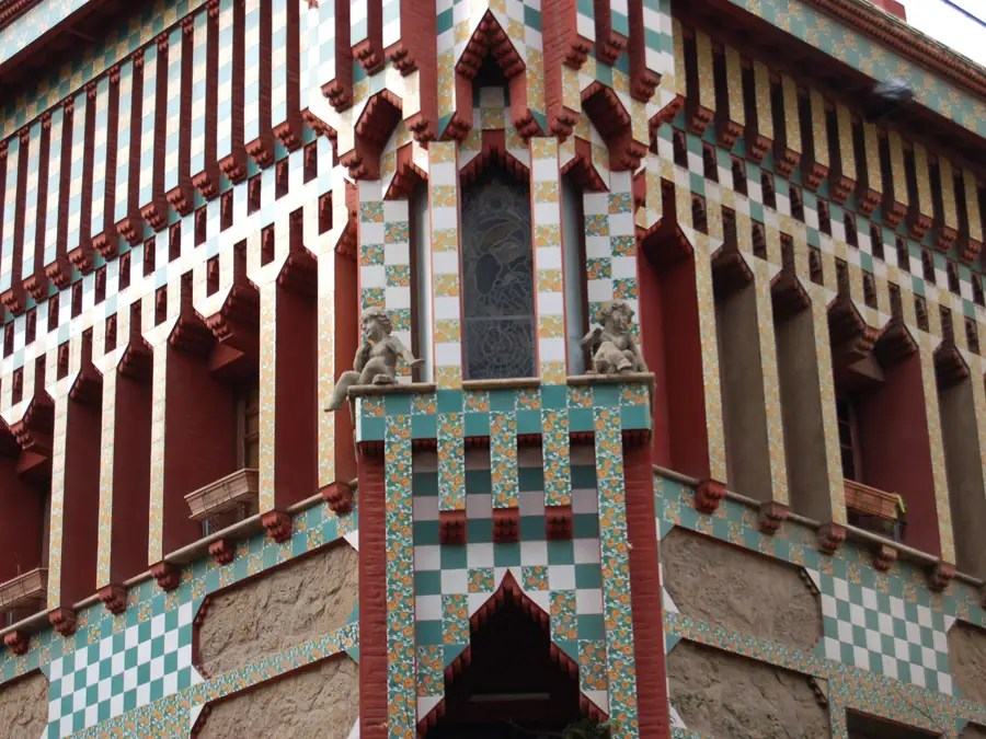 Gaudí built the Casa Vicens for a private family between 1883 and 1889.