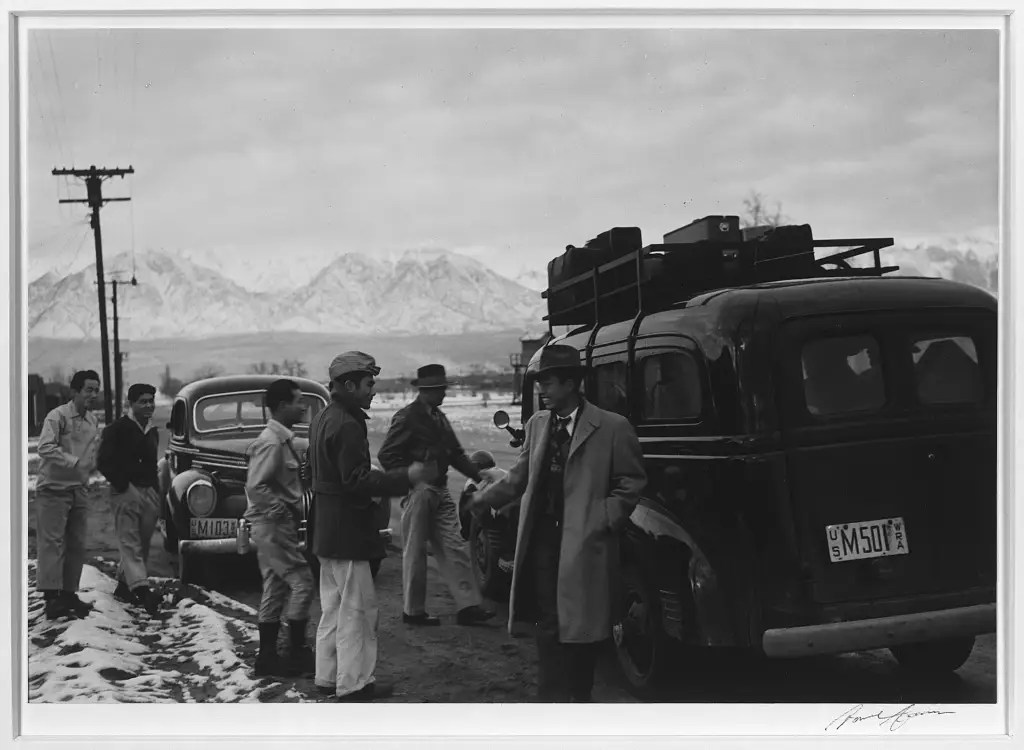 10,000 people would be housed at Manzanar.